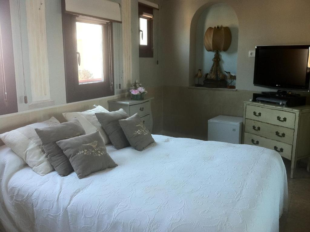 Boutique hotel davallada adults only chambres d 39 h tes for Boutique hotel espagne