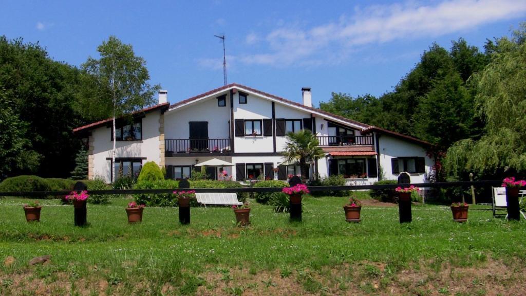 Agroturismo atxarmin r servation gratuite sur viamichelin - Casa rural quopiki ...