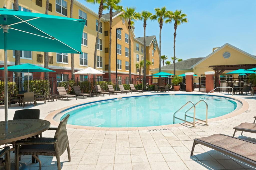 Hotels Waterford Lakes Orlando