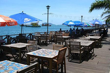 Nusantara mattwaddien m s penampang reserva tu hotel for Suelo waterfront