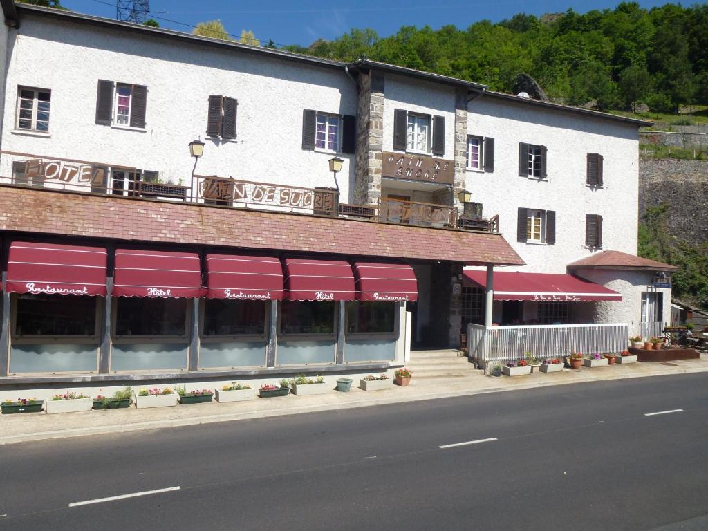 H tel restaurant le pain de sucre r servation gratuite for Reserver des hotels