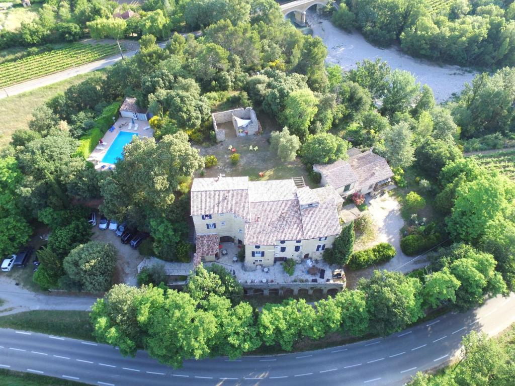 La bastide de vaison vaison la romaine book your hotel - Hotel vaison la romaine piscine ...