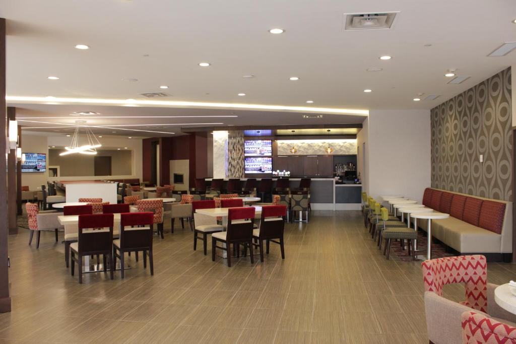 Hilton Toronto Room Service Menu
