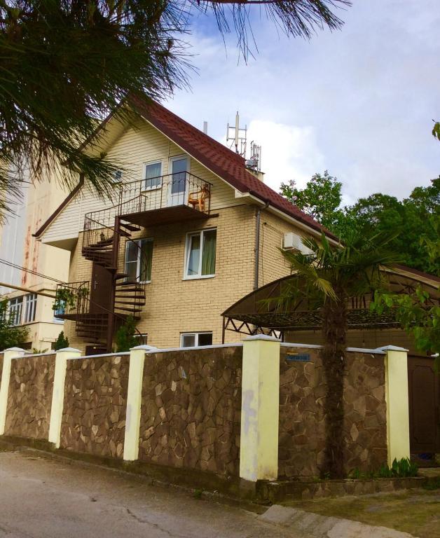 Apartment On Poltavskaya