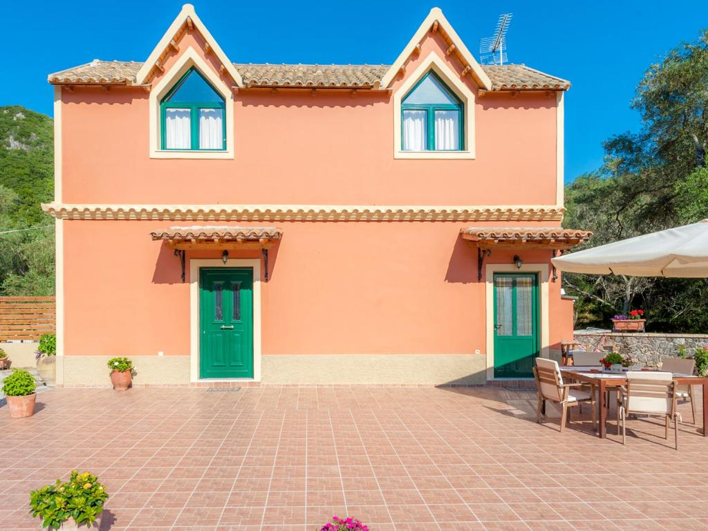 Pieros studios lisipios corfu book your hotel with for 73 studios inverness terrace