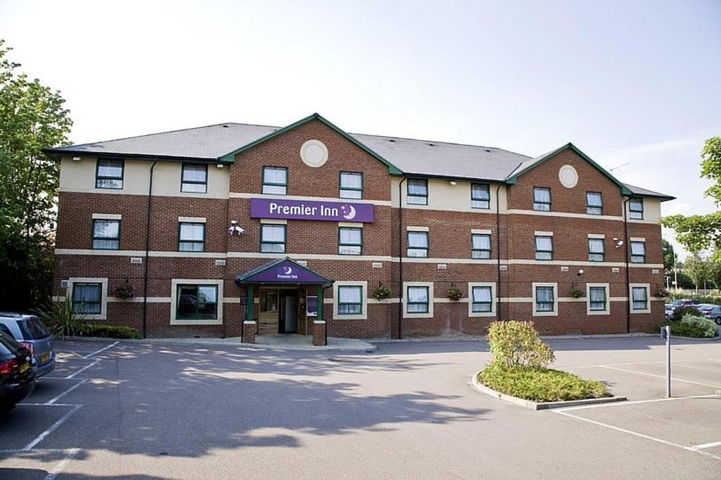 Premier Inn Watford North - St Albans Road, Garston, Watford, WD25 0LH