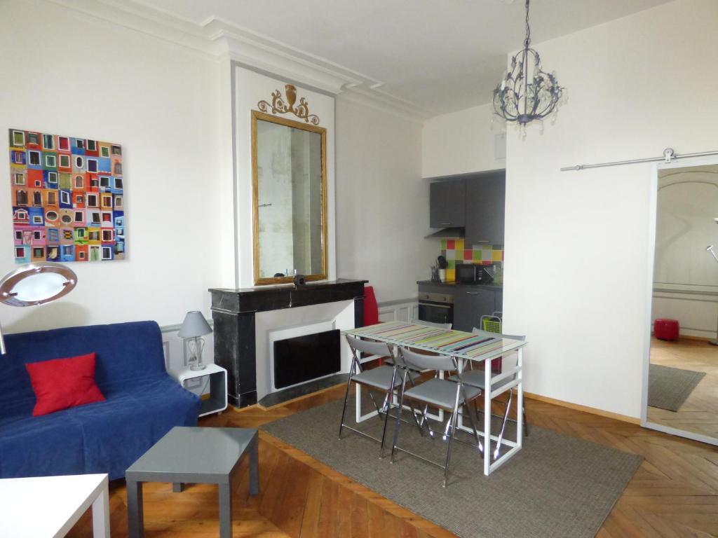 Appartement dans r sidence amelot fran a la rochelle for Appartement design la rochelle