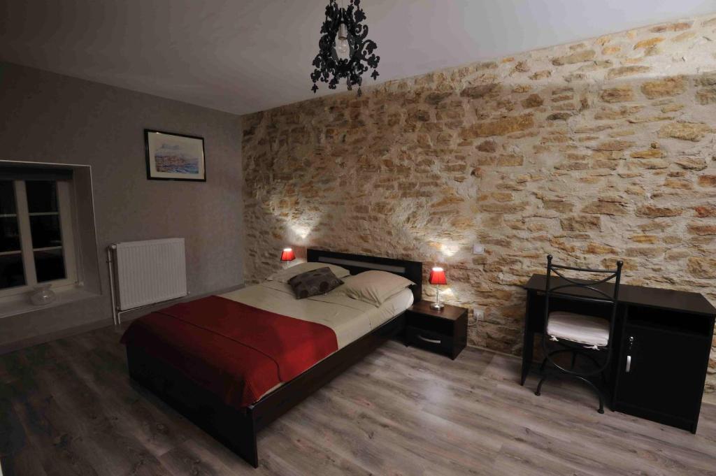 Les chambres d 39 eponine r servation gratuite sur viamichelin for Recherche chambre hotel