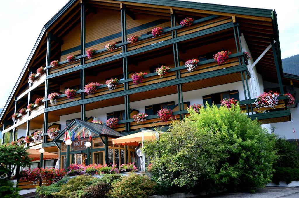 Hotel Am Burghuegel San Candido