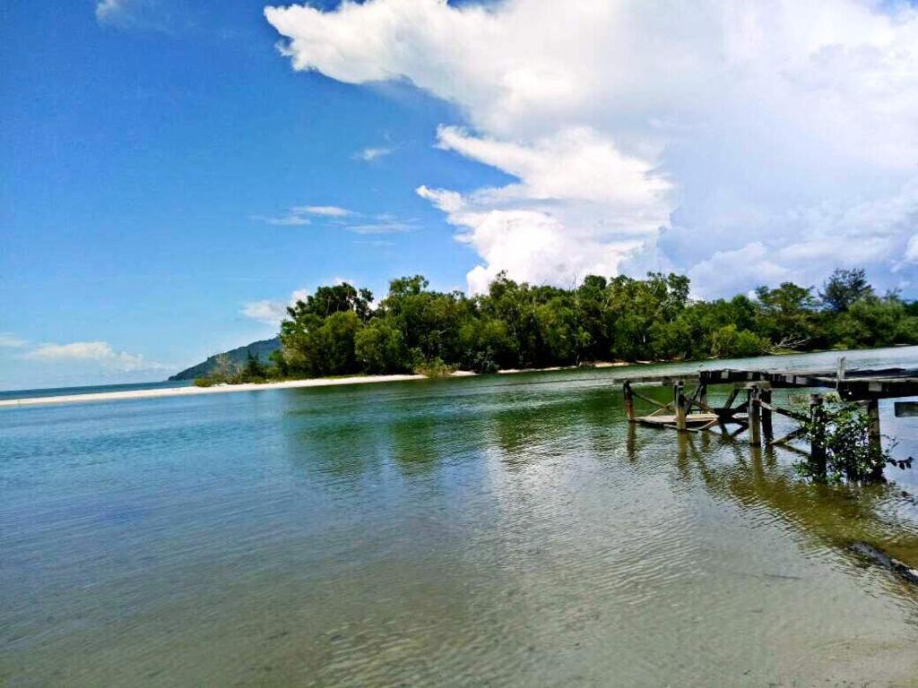 Western Beach Resort