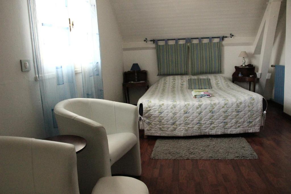 chambres d 39 h tes la source bleue chambres d 39 h tes abbeville dans la somme 80. Black Bedroom Furniture Sets. Home Design Ideas