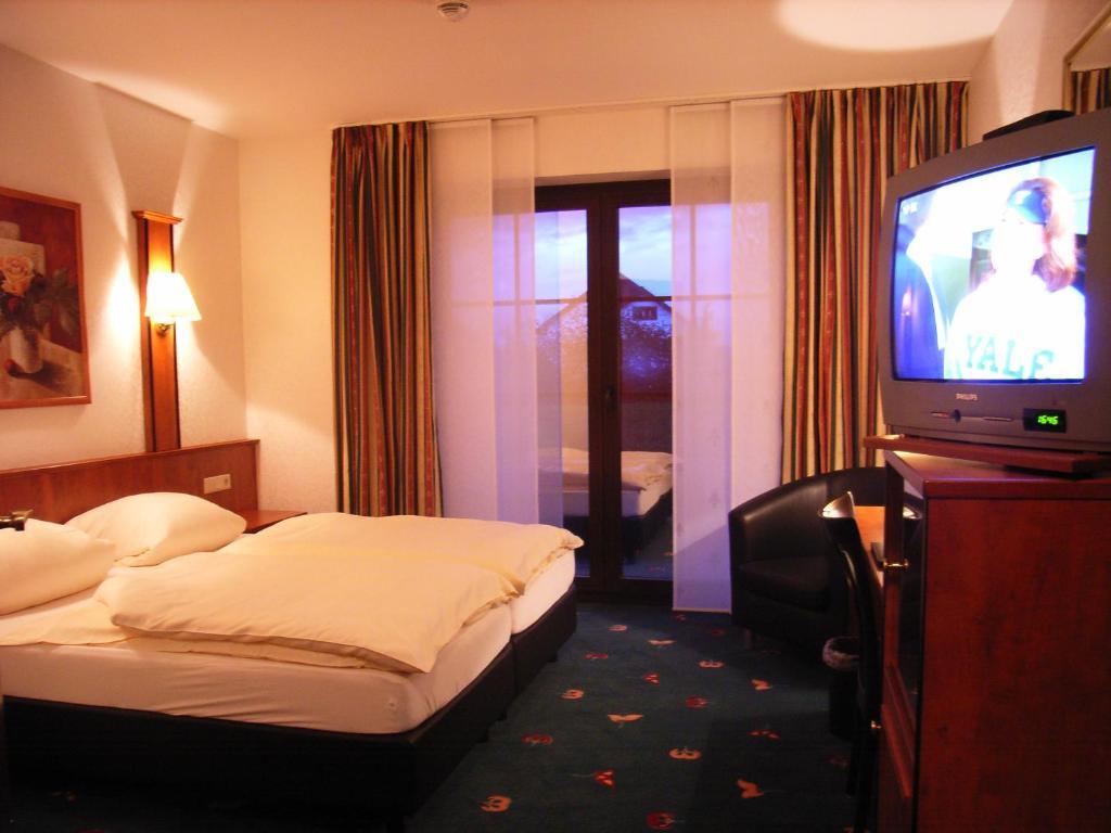 hotel freihof hiddenhausen prenotazione on line. Black Bedroom Furniture Sets. Home Design Ideas