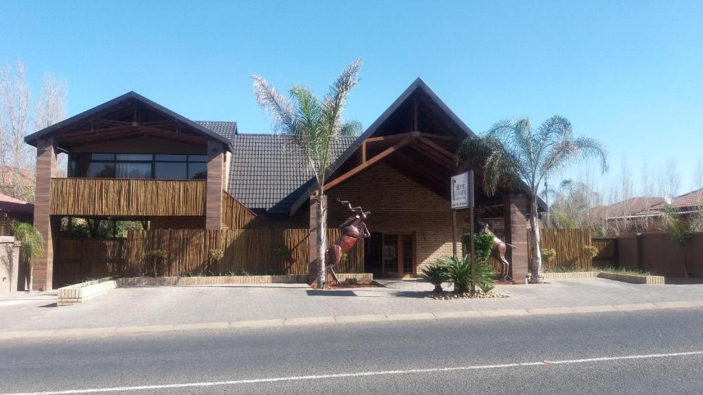 Hillcrest guest house kimberley online booking