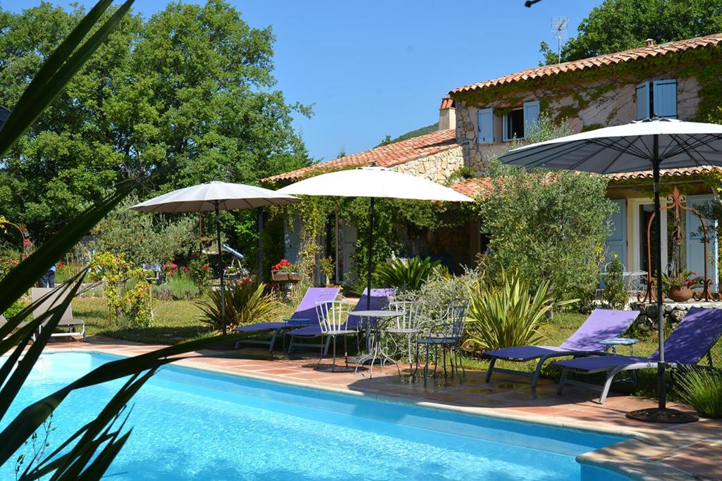 Bed breakfast le clos d 39 eima bed breakfasts saint - Chambre d hote saint cezaire sur siagne ...