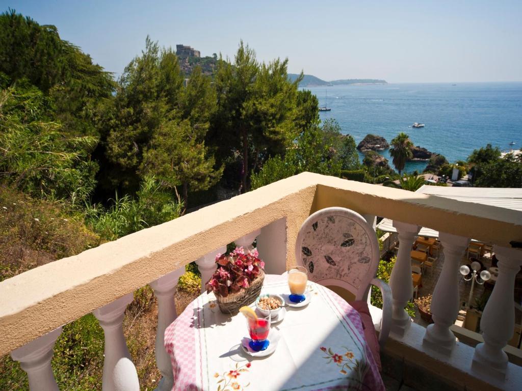 Hotel giardino delle ninfe e la fenice r servation gratuite sur viamichelin - Giardino delle ninfe ischia ...