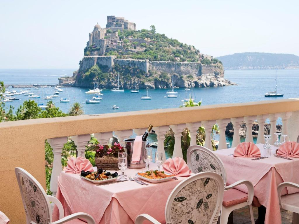 Italy hotel reviews 7 april 2013 - Hotel giardino delle ninfe e la fenice ...