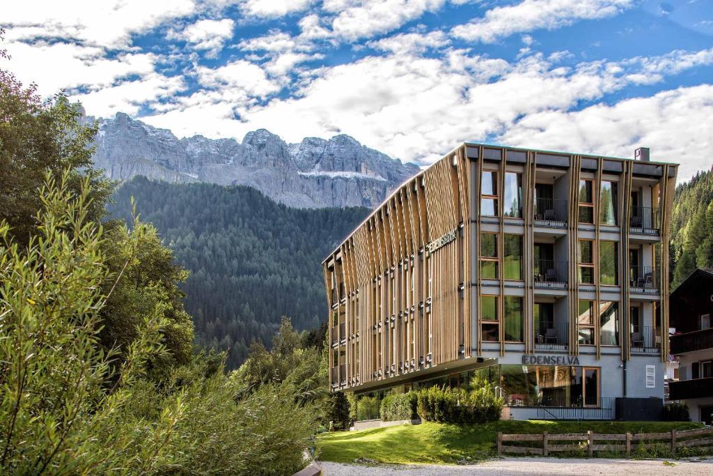 Mountain design hotel eden selva w lkenstein in gr den for Designhotel italien