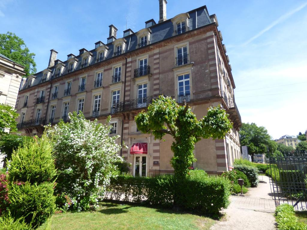 Grand hotel plombi res les bains for Hotel axe les bains