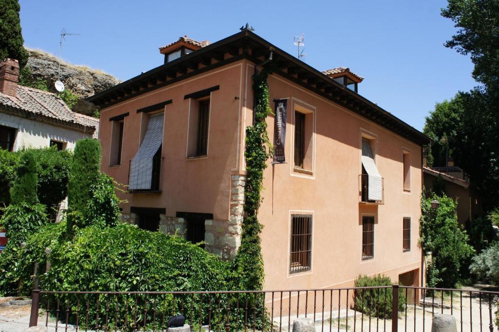 Casavillena apartamentos tur sticos segovia book your hotel with viamichelin - Apartamentos aralso segovia ...