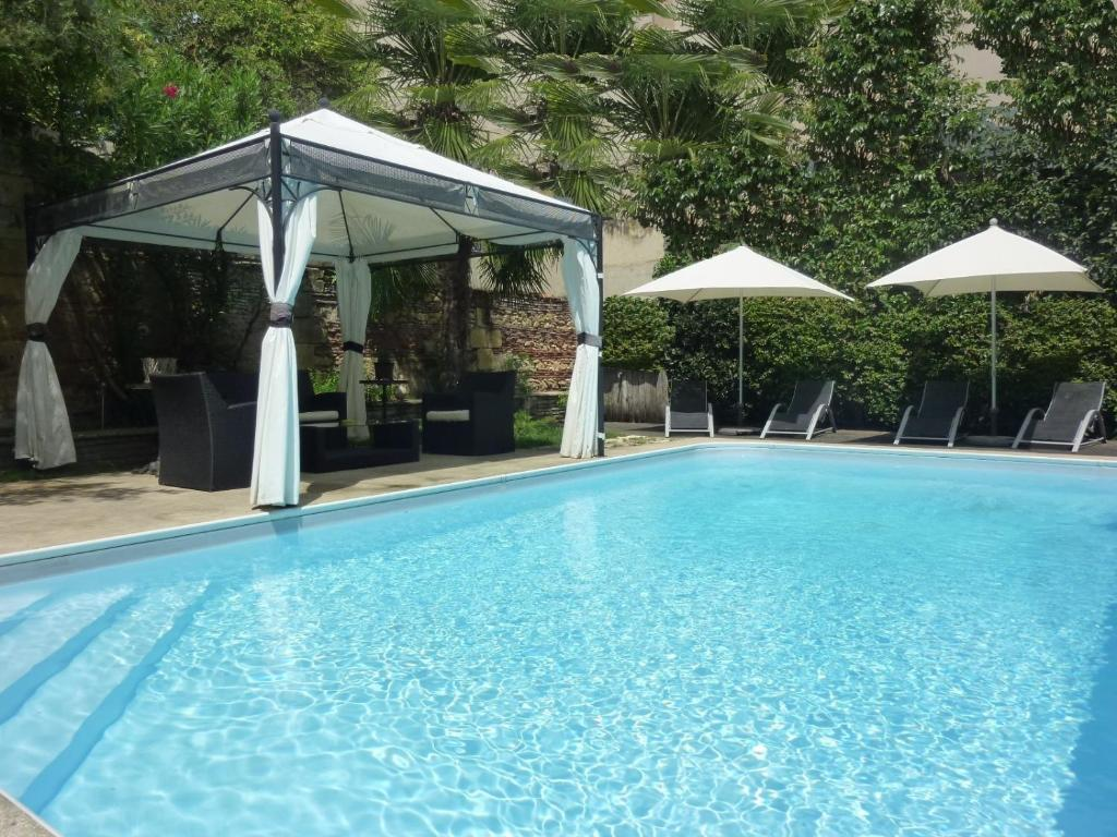 Hotel de france bergerac online booking viamichelin for Hotel de france booking