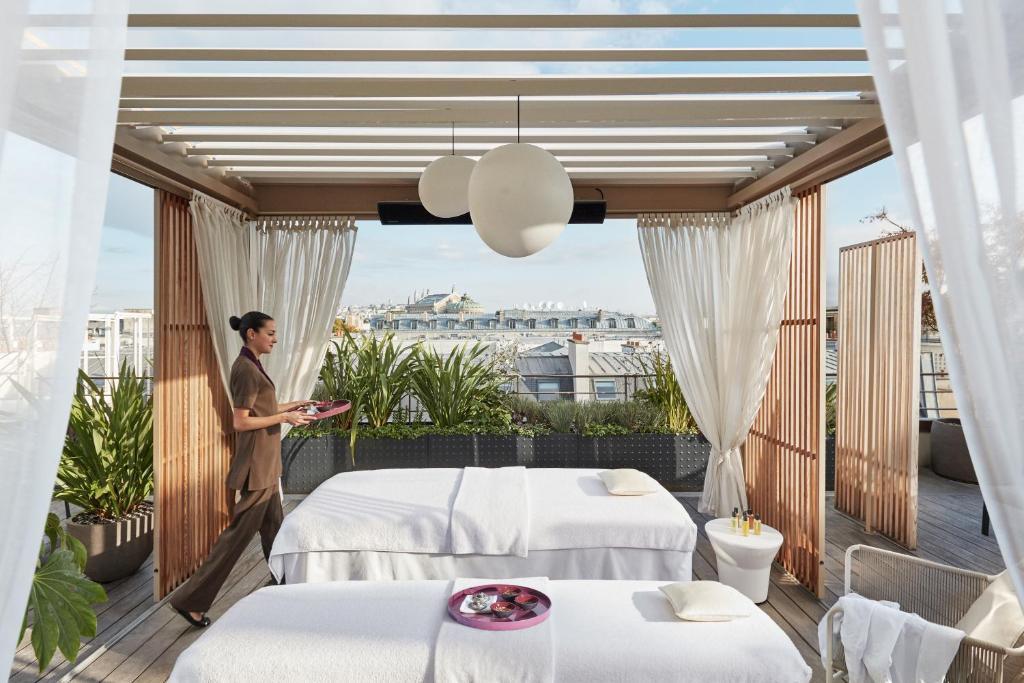 Hotel Mandarin Oriental Paris Booking