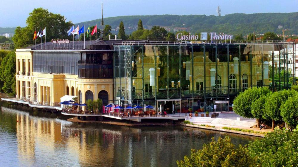 Appartement maison avec jardin paris enghien appartement for Hotel des bains paris france