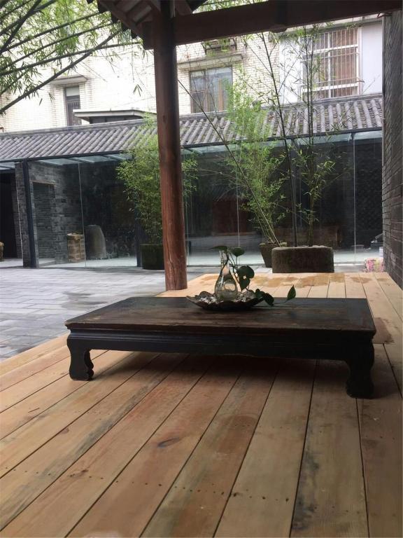 Zhuangse Chengdu Youth Hostel
