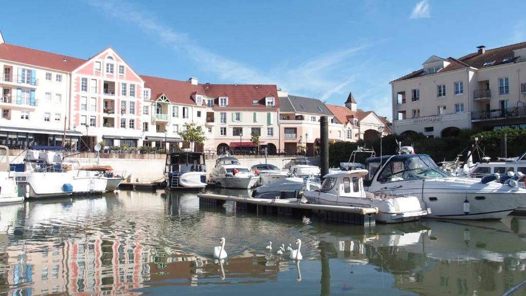 Appartements studio port cergy appartements cergy - Appartement a vendre cergy port ...