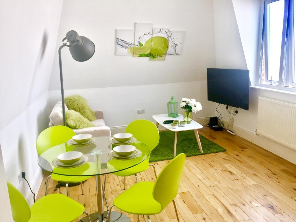 stylish 1 bedroom apartment in zone 1 central london apartment london
