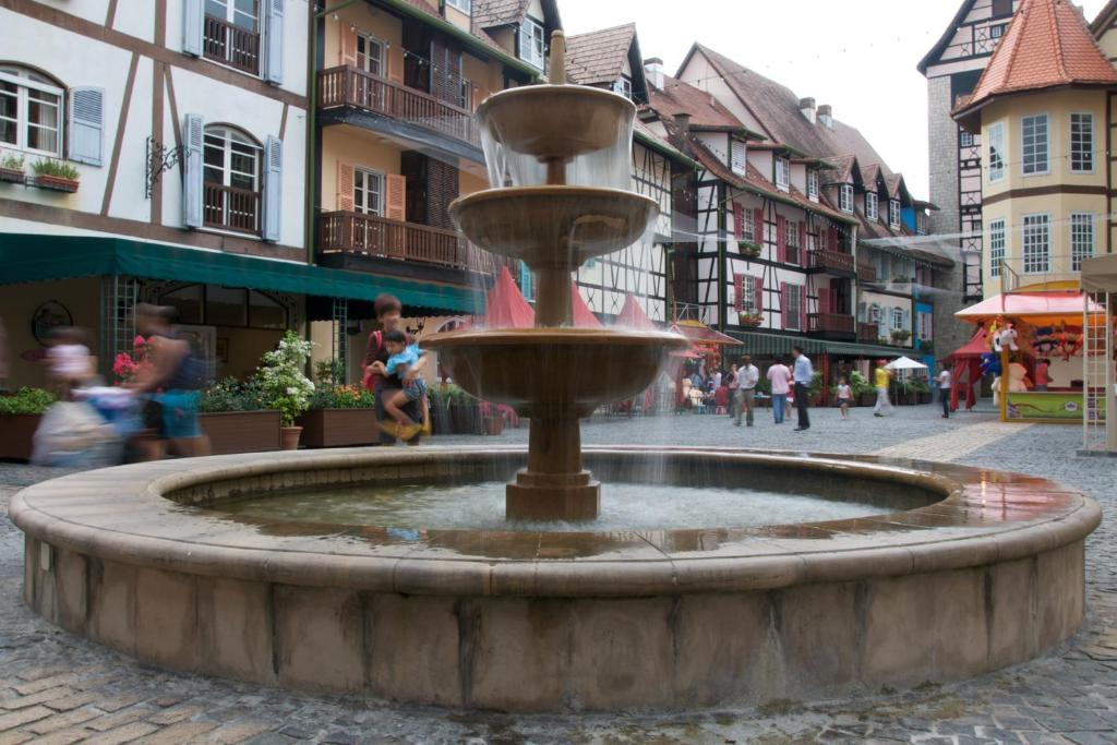 colmar chat sites The 10 best luxury hotels in colmar, france  the waiting staff at lunch time and in the evening were superb and happy to chat in either french or english the .