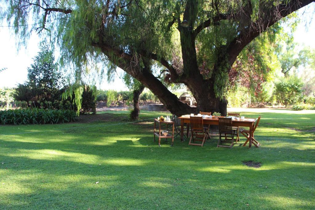 Casa baquero r servation gratuite sur viamichelin for Jardin secreto wine