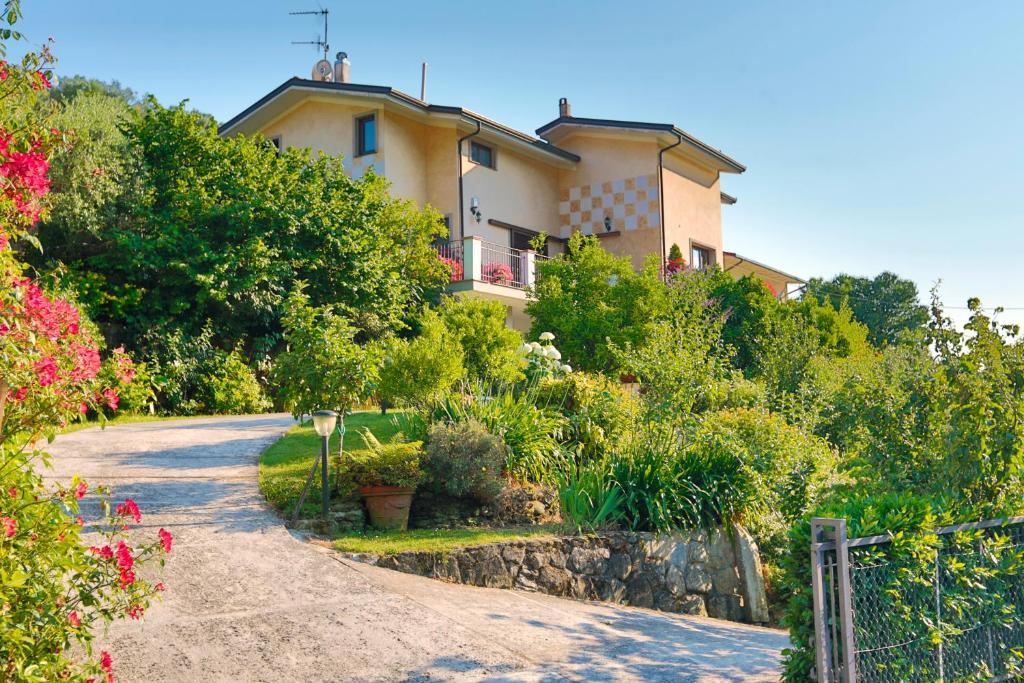 Casa de campo casa anna a pietrasanta in toscana italia for La casa toscana tradizionale