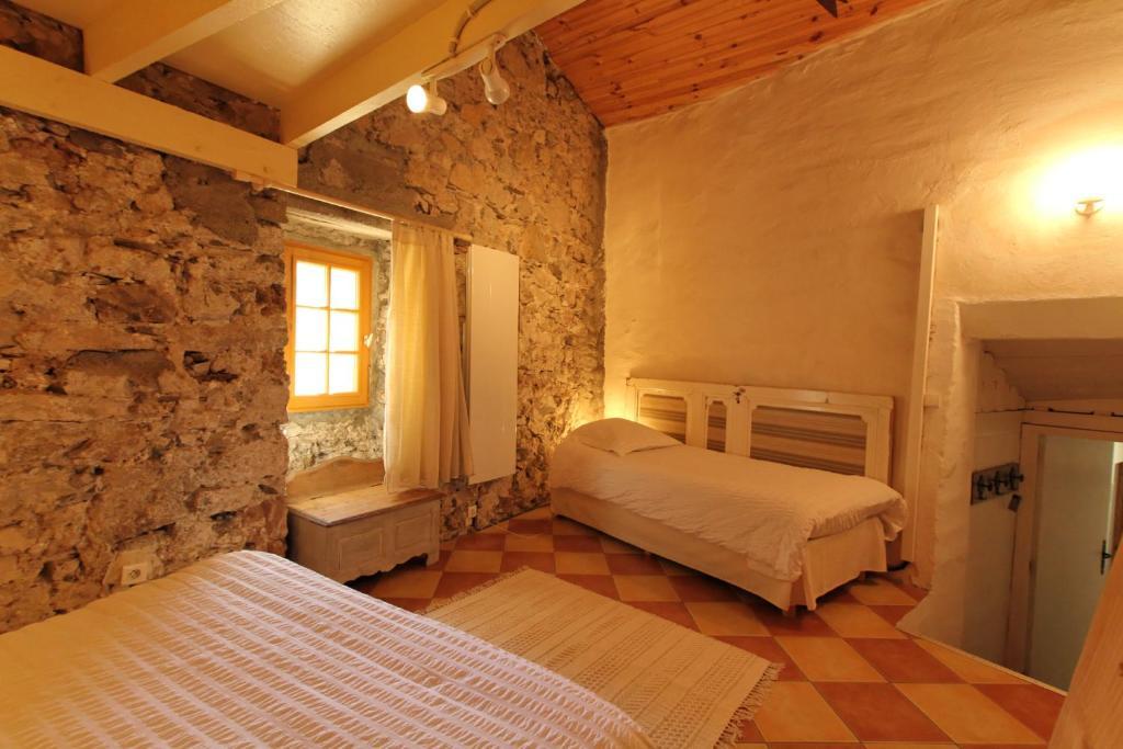 L 39 ammonite chambre table d 39 h tes chambres d 39 h tes saint maurice navacelles - Chambre d hote a saintes ...