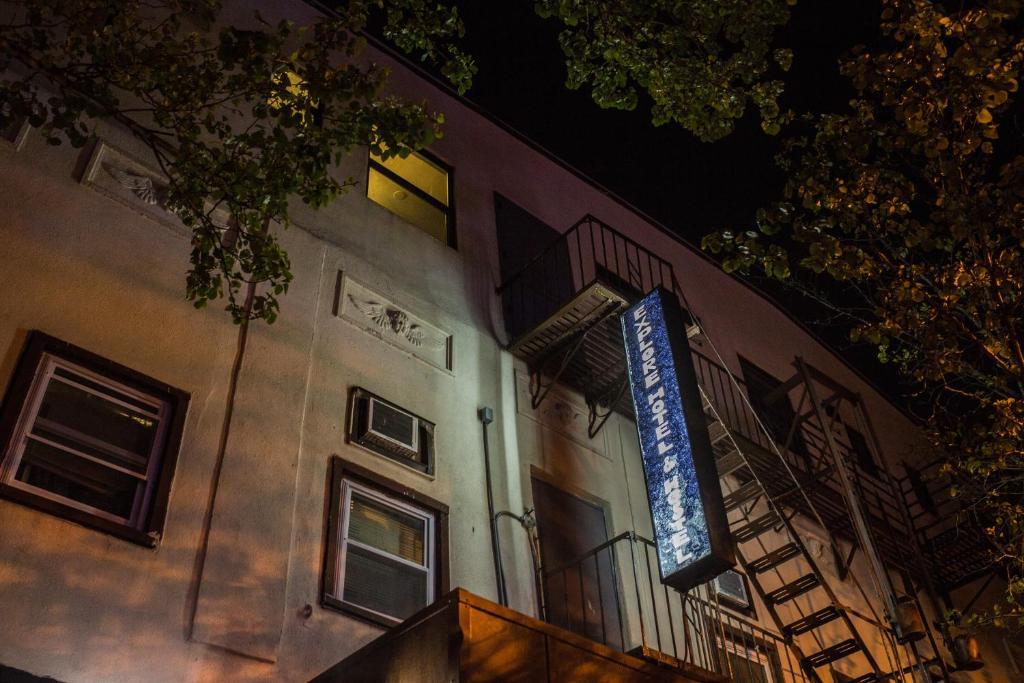 Explore Hotel And Hostel Union City Nj