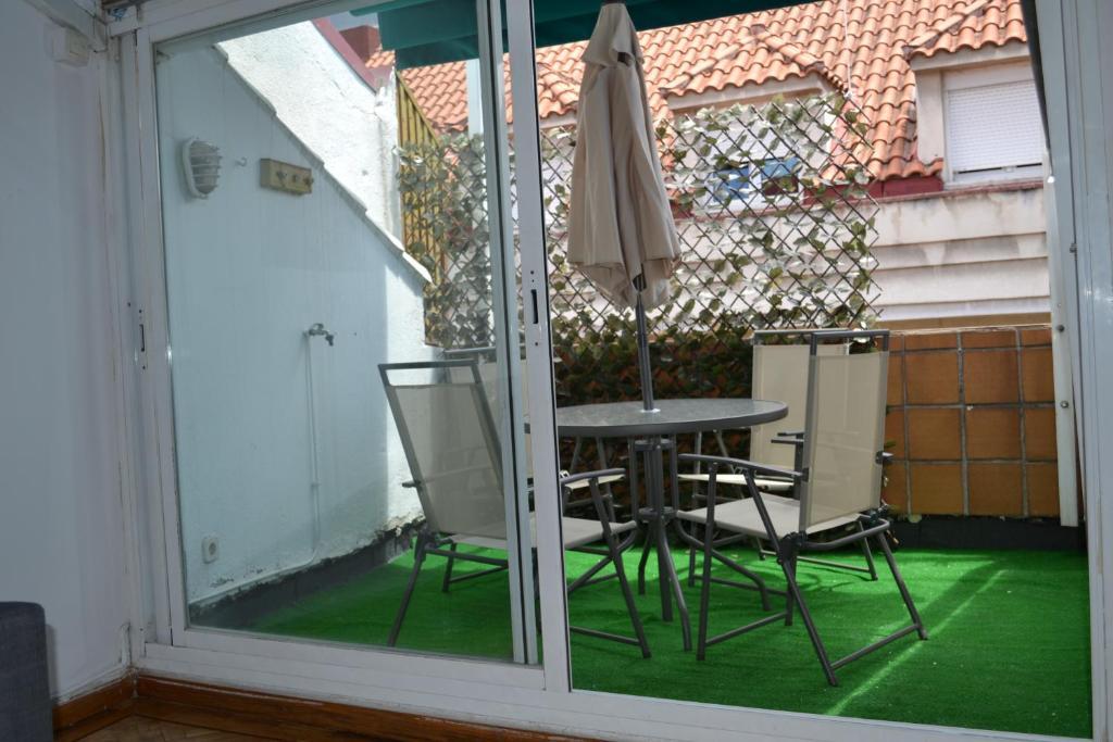 Apartamentos calle barquillo madrid online booking Calle belen madrid