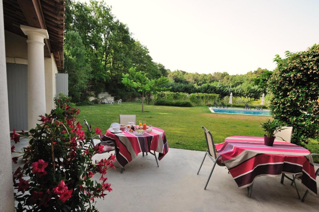 Mas de lure salon de provence online booking viamichelin - Geant drive salon de provence ...