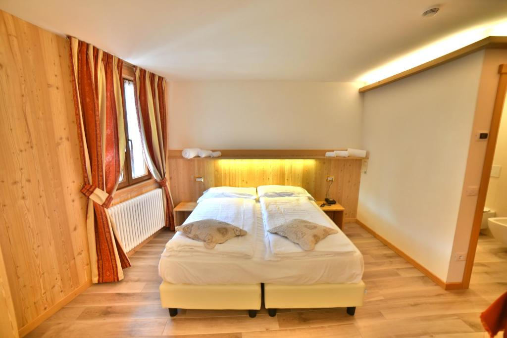 Albergo stelvio bormio book your hotel with viamichelin for Hotel meuble sertorelli reit bormio