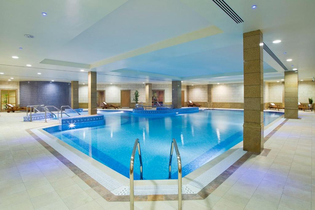 Bonnington dublin dublin book your hotel with viamichelin Swimming pools in dublin city centre