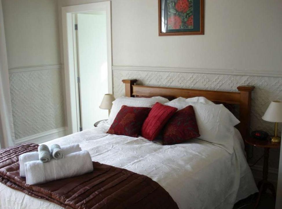 Hazel house boutique bed breakfast dunedin book your for Boutique bed breakfast