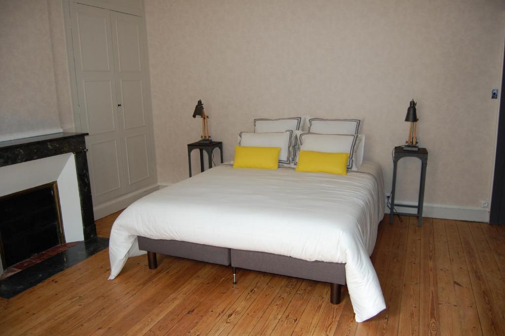 les chambres du mail chambres d 39 h tes cholet. Black Bedroom Furniture Sets. Home Design Ideas