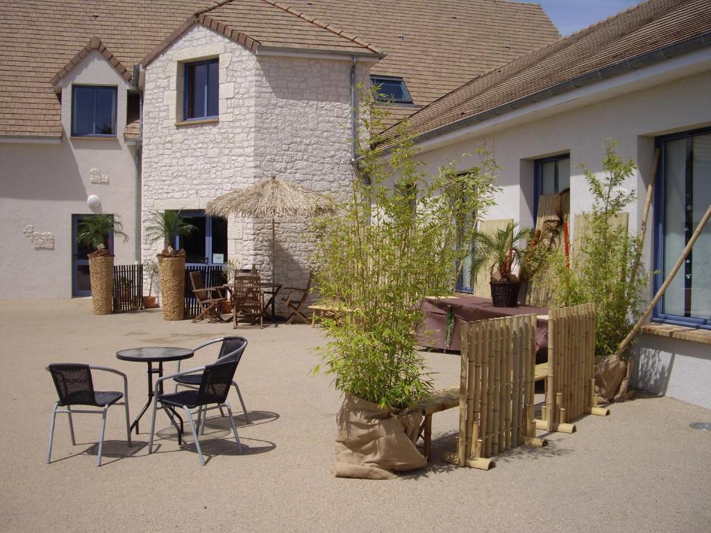 la terrasse des oliviers g tes mansign dans la sarthe 72. Black Bedroom Furniture Sets. Home Design Ideas