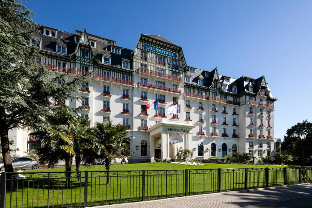 H tel barri re l 39 hermitage r servation gratuite sur for Hotels la baule