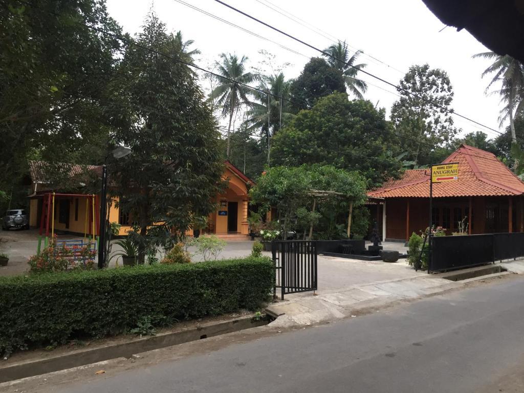 Top Hotels Near Borobudur Temple - Expedia