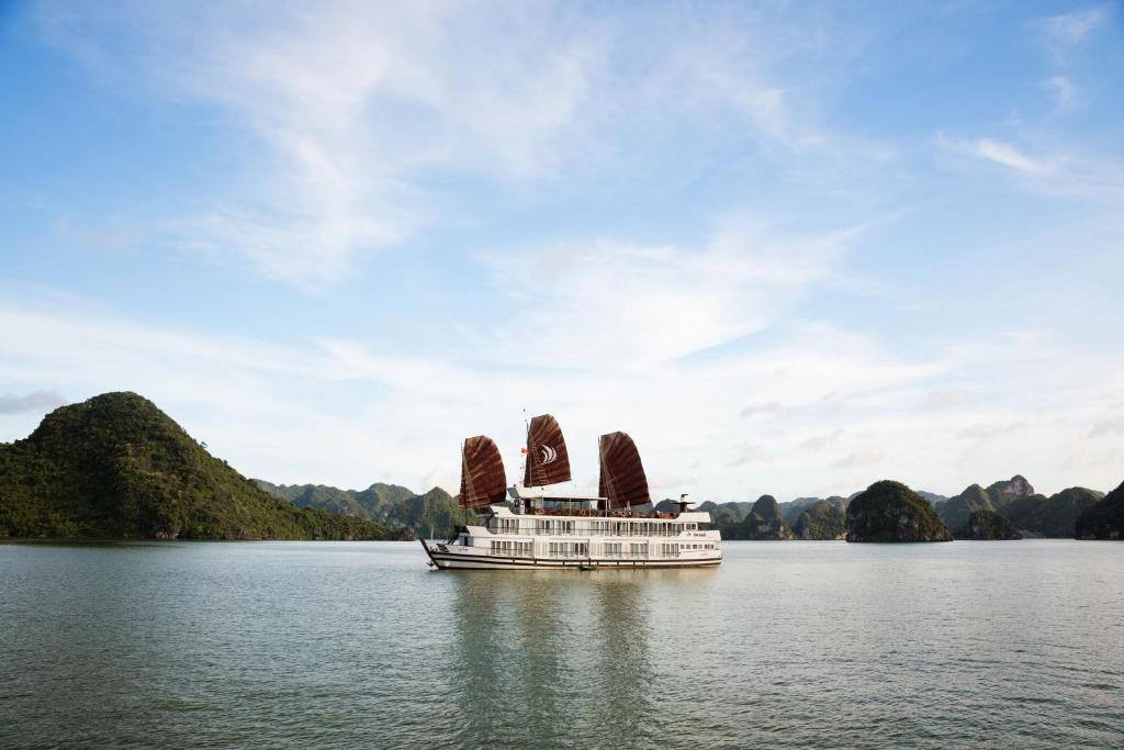 Du thuyền Halong Glory Premium
