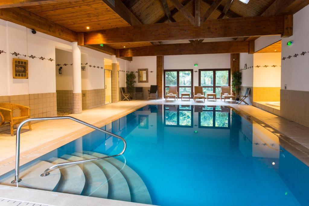 Hostellerie a la ville de lyon rouffach viamichelin for Hotel design piscine lyon