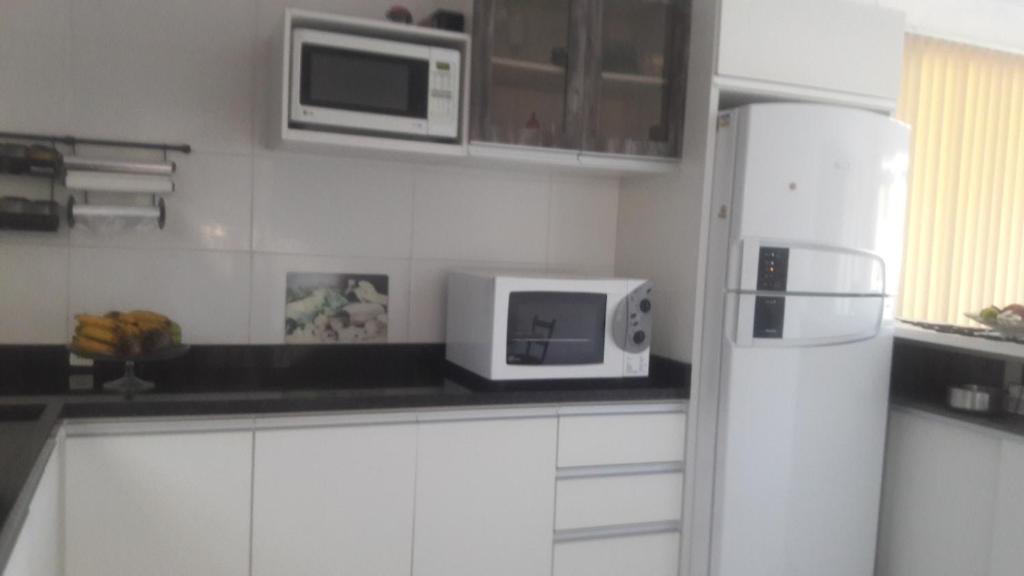 2 quartos com ar Praia do santinho