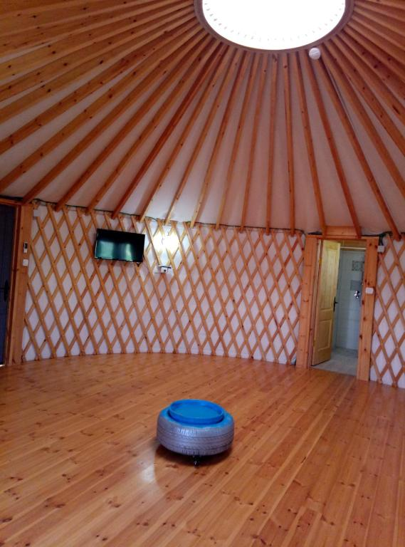 בא לי יורט - אוהלים מונגולים