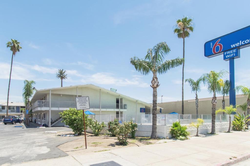 Hotels On Oak Street Bakersfield Ca