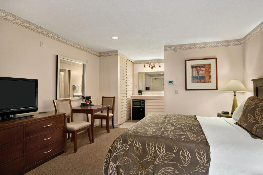 Hotel Rooms With Kitchenettes In San Diego