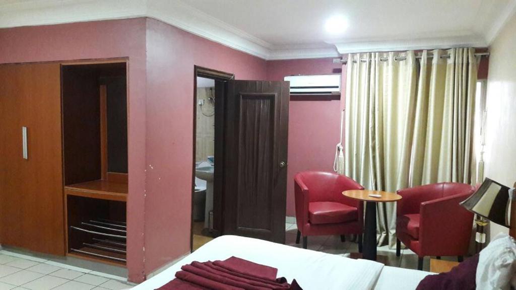Randolph Hotels And Resorts Ltd